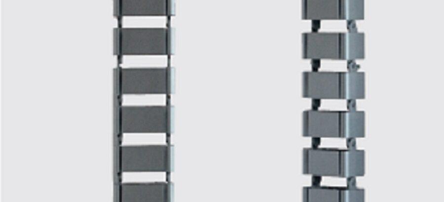 Coloca un organizador de cables vertical en tu escritorio